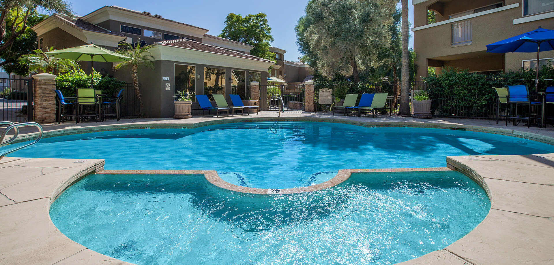 La Terraza at the Biltmore - Apartment Homes in Phoenix, AZ